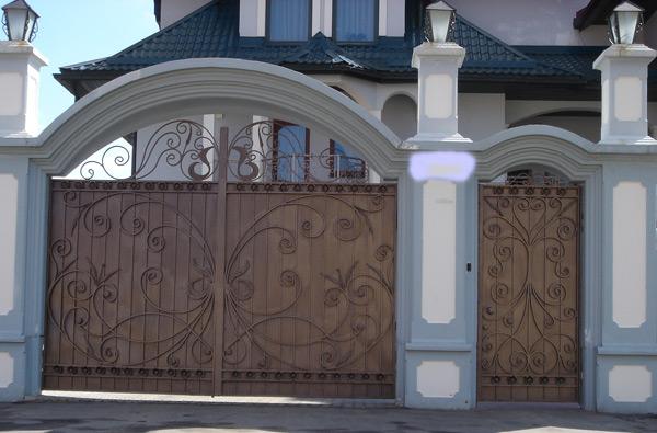 Ворота распашные заказать в Балашихе